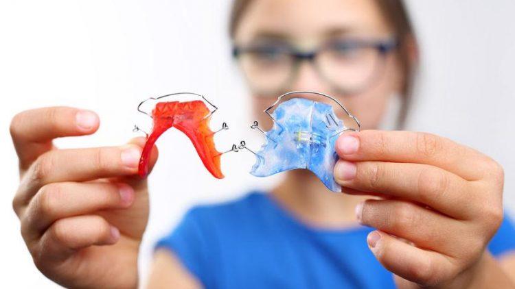 Jak naprawić aparat ortodontyczny?